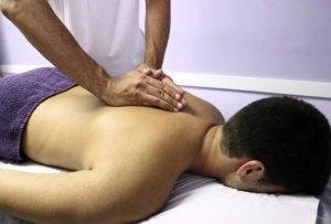 Terapia manuale Milano manipolazione dorsale